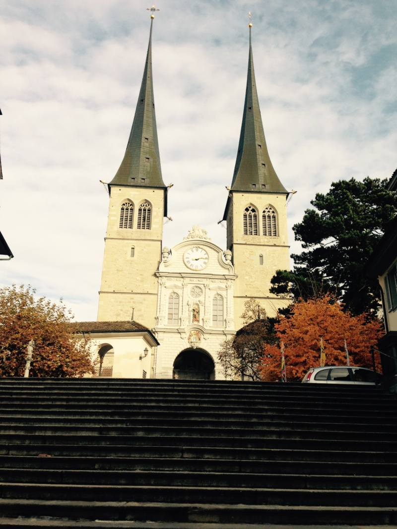 travel guide to lucerne Church of St. Leodegar (wanderlustbee)