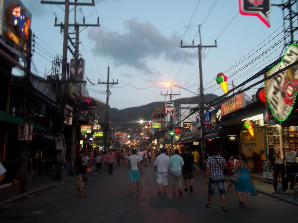backpacking stop two phuket