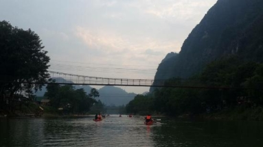 Wanderlust bee backpacking Thailand and Asia - vang Vieng