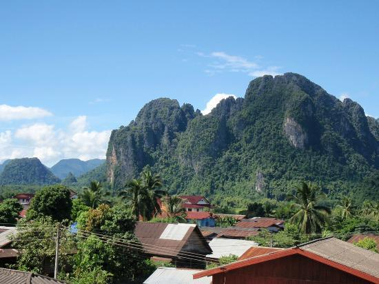 wanderlust bee backpacking thailand and laos - vang vieng